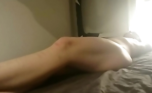 inferior slave tied on bed and whipped