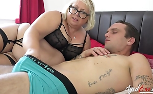 Chubby mature bitch with eroded cunt blows younger guy