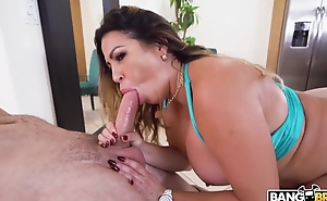 Curvy Latina MILF with huge botheration has sex on the floor