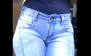 Talkative brunette in tight jeans panties